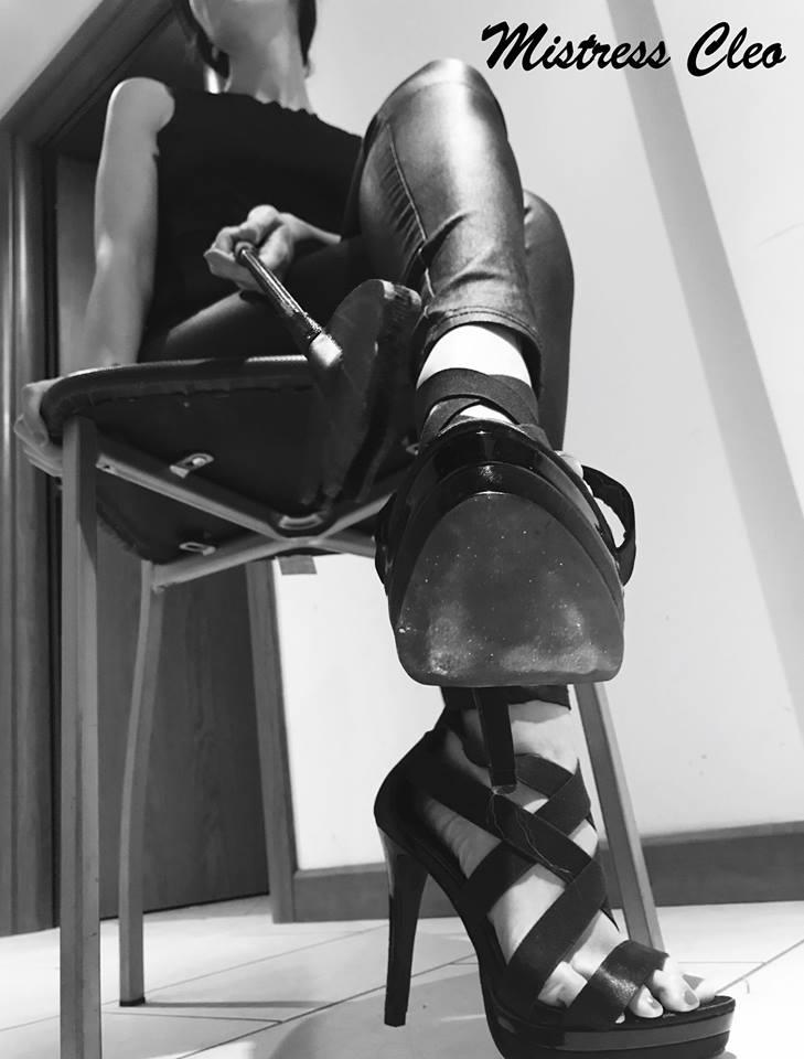 mistress cleo domina